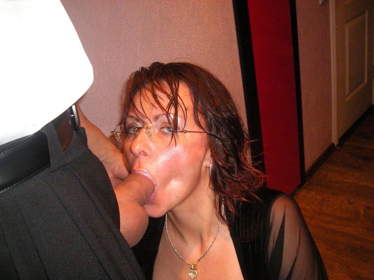 Порно жена сосет начальнику мужа